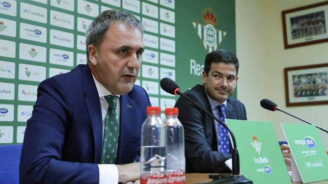 Rueda de prensa de Fernando Moral y Ramón Alarcón, responsables del Betis Energía Plus (foto: Rocío Ruz)