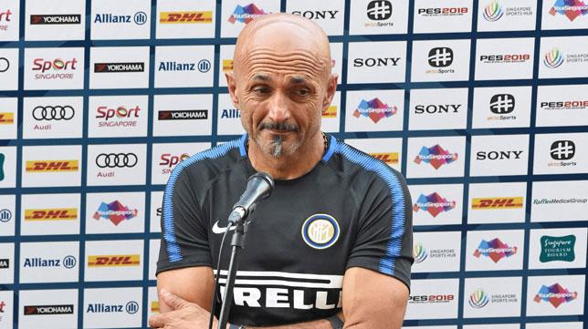 El entrenador del Inter, Luciano Spalletti (foto: AFP / Roslan Rahman)