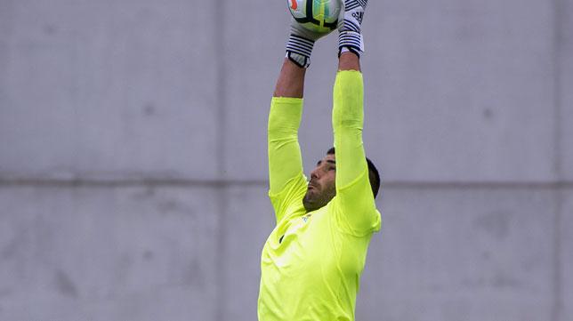 Adán, en un entrenamiento del Betis (foto: J. J. Úbeda)