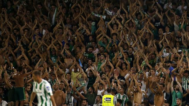 La afición apoyó en todo momento durante al Betis (Foto: RBB)