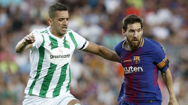 Feddal pugna con Messi en el Barça-Betis