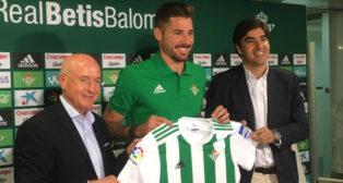 Javi García, junto a Serra Ferrer y Ángel Haro