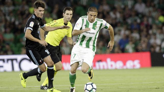 Joaquín, en un lance del Betis-Celta (Foto: Juan Flores)