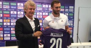 Germán Pezzella, antes de su presentación con la Fiorentina (Foto: @acffiorentina)