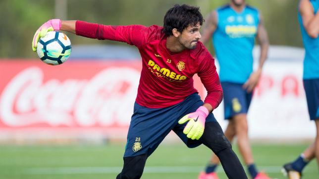 Mariano Barbosa, en un entrenamiento del Villarreal (Foto: www.villarrealcf.es)