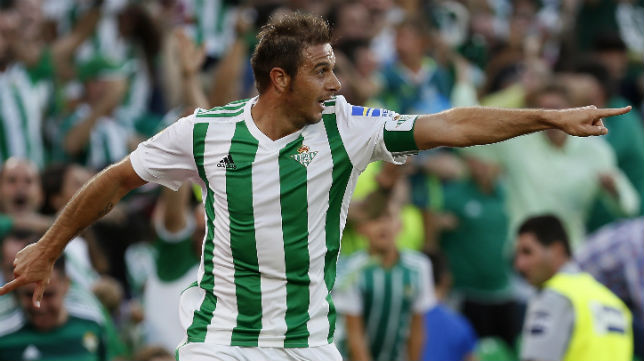 Joaquín celebra el segundo gol anotado ante el Deportivo de La Coruña (Foto: EFE)