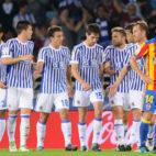 Los futbolistas de la Real Sociedad, en el partido ante el Valencia