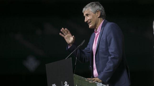 Quique Setién, durante su intervención (Foto: M. J. López Olmedo).