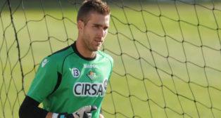 Adrián, durante un entrenamiento en su etapa de jugador del Betis (Foto: J. J. Úbeda)