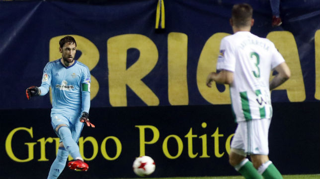 Dani Giménez, en un lance del Cádiz-Betis (Foto: RBB)