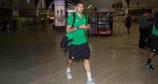 Javi García, en el aeropuerto de Sevilla