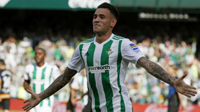 Sanabria celebra el gol que le marcó al Alavés (Foto: EFE)