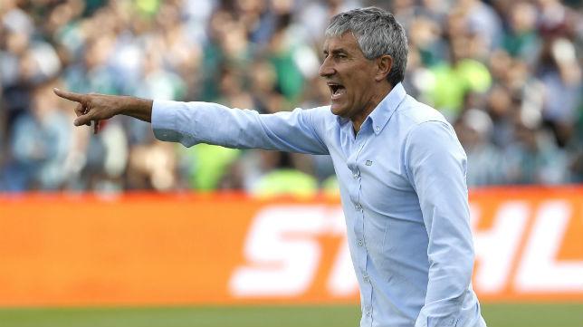 Quique Setién, entrenador del Real Betis, durante el partido ante el Alavés (Foto: EFE)
