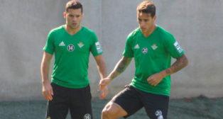 Cristian Tello, junto a Durmisi, en el entrenamiento del martes 31 de octubre (Foto: RBB)