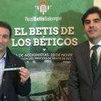Haro y Catalán posan en la carpa informativa de la junta del 23-N (Foto: J. S.)