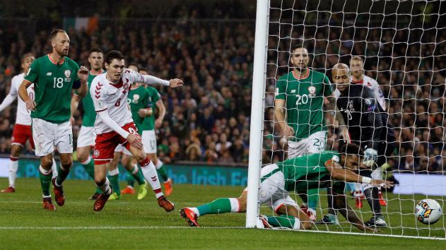 Christensen logra el primer gol de Dinamarca en el partido ante Irlanda (Foto: Reuters)