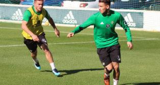 Sanabria (d), en el entrenamiento de este viernes (Foto: Real Betis)