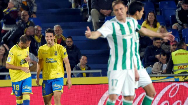 Joaquín se lamenta tras el gol encajado por el Betis ante Las Palmas (Foto: EFE)