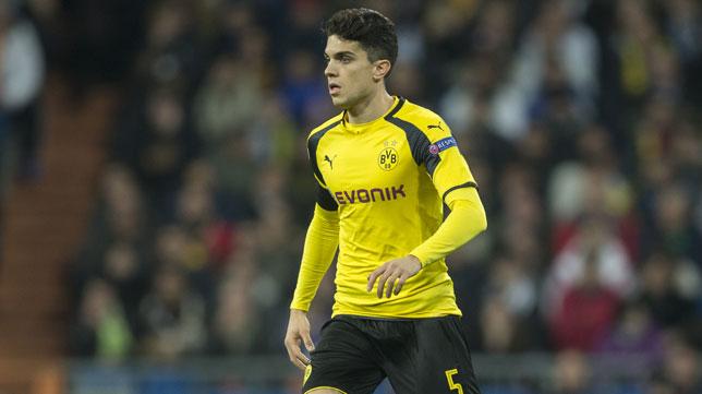 Marc Bartra, durante un partido con el Borussia Dortmund (Foto: Ignacio Gil).