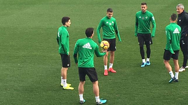 Primer entrenamiento de Bartra con el Betis