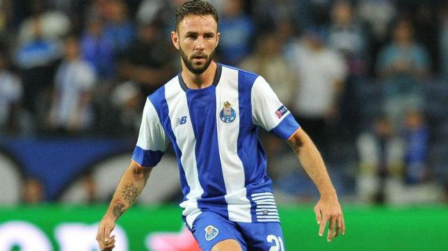 Miguel Layún, futbolista del Oporto