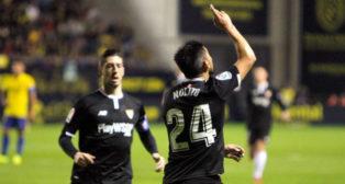 Nolito celebra su gol ayer ante el Cádiz (EFE)