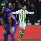 Tello celebra el segundo gol del Betis ante el Leganés (Foto: J. M. Serrano).