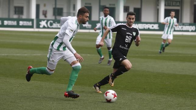 Lance del Betis Deportivo-Villanovense disputado este domingo en la ciudad deportiva (Foto: Real Betis)