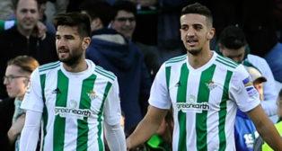 Barragán, junto a Feddal, en un momento del encuentro ante el Villarreal (Foto: AFP)