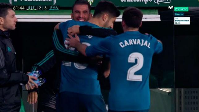 Asensio celebró con su amigo Ceballos su segundo gol al Betis