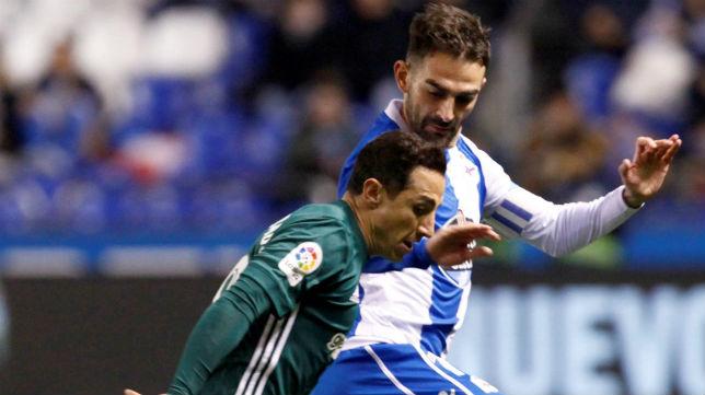 Guardado, en el Deportivo-Betis (EFE)