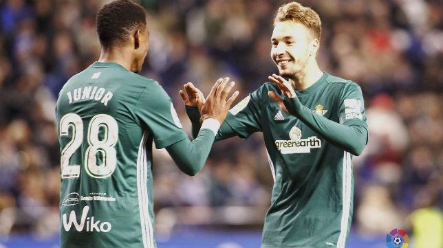 Junior y Loren, en el Deportivo-Betis (LaLiga)