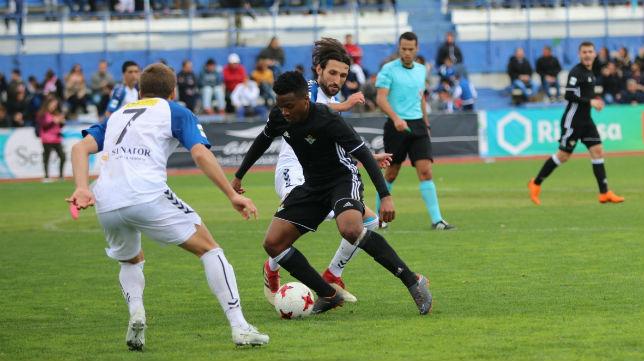 Kaptoum, en un lance del partido del Betis Deportivo en Marbella (Foto: RBB)