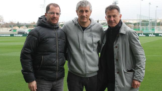 Juan Carlos Osorio, seleccionador de México, junto a Quique Setién y José Juan Romero (RBB)