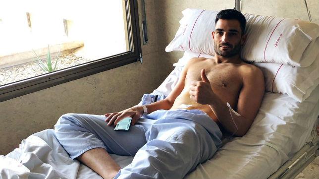 Antonio Adán, momentos después de ser operado
