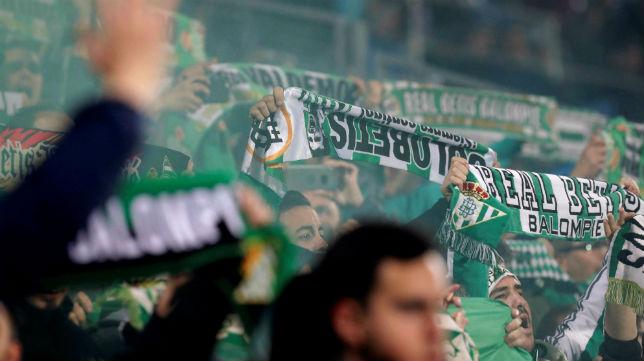 Aficionados del Betis en el Coliseum Alfonso Pérez de Getafe (EFE)