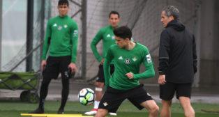 Marc Bartra, en un entrenamiento del Betis (Foto: J. J. Úbeda/ABC)