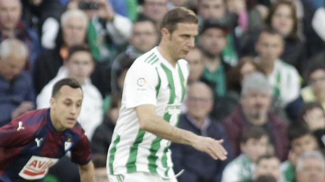 Joaquín, en el partido ante el Eibar (Foto: Juan Flores/ABC)