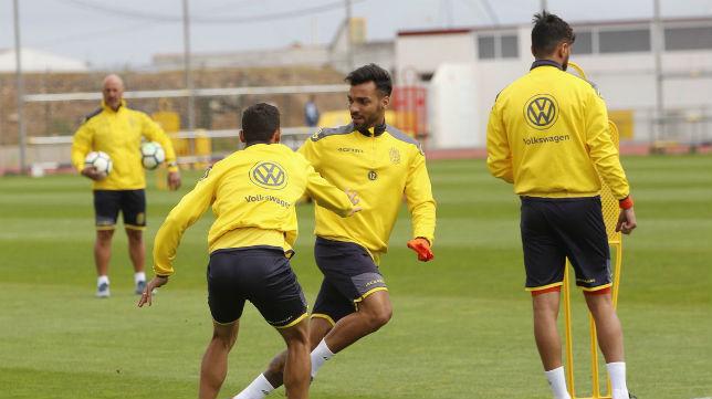 Jugadores de Las Palmas en un entrenamiento en Telde preparando el partido ante el Betis (UDLP)
