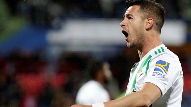 Sergio León celebra el 0-1 del Betis en Getafe (Foto: EFE).