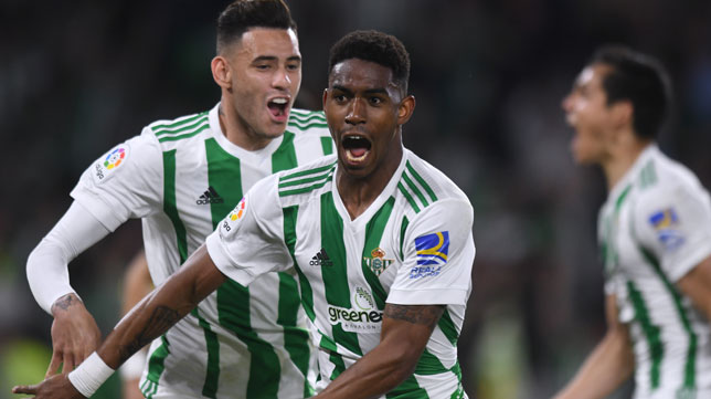 Junior celebra su gol ante Las Palmas (Foto: Juan José Úbeda).