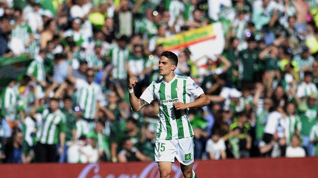 Bartra celebra su gol al Sevilla (Foto: J. J. Úbeda)