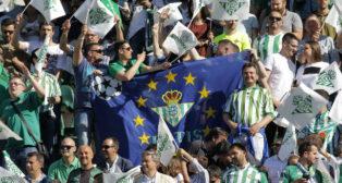 Aficionados del Betis, en el derbi contra el Sevilla