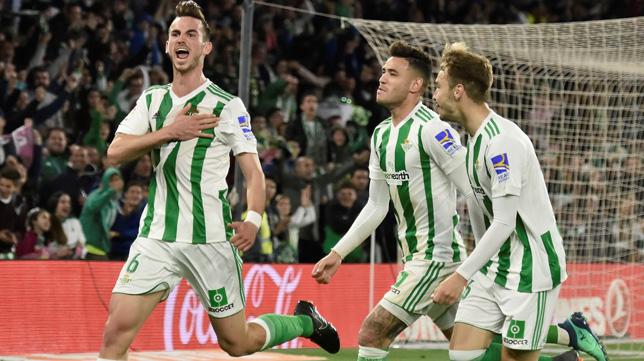 Fabián celebra su gol ante el Málaga
