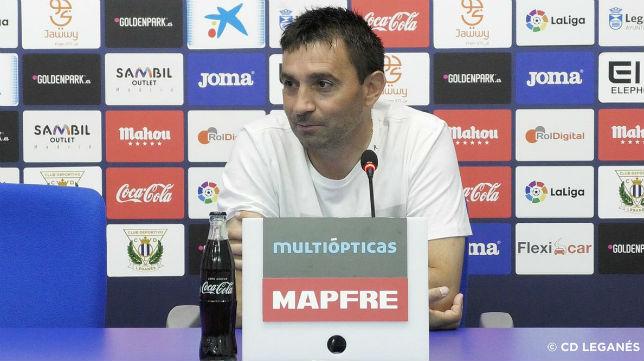 Garitano, en una rueda de prensa del Leganés