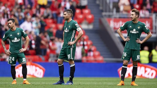 Javi García, junto a Rubén Castro y Loren, en el Athletic-Betis