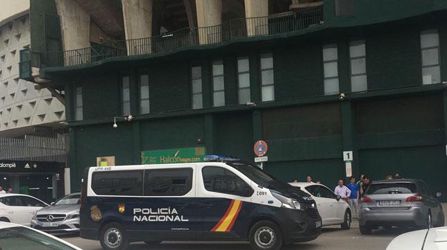 La Policía Nacional, en los aledaños del Villamarín