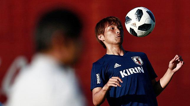 Inui, entrenando con Japón durante el Mundial de Rusia (AFP / Benjamin Cremel)