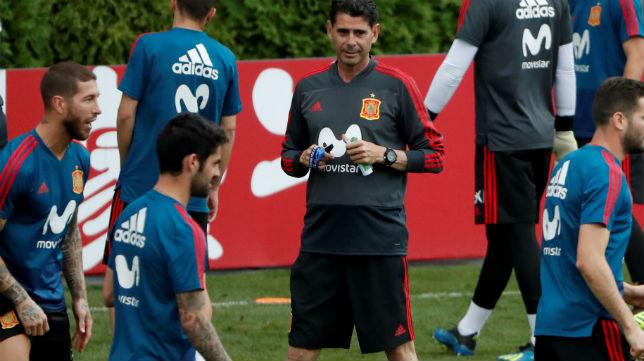 Hierro, durante un entrenamiento de la selección española en el Mundial (Foto: ABC)