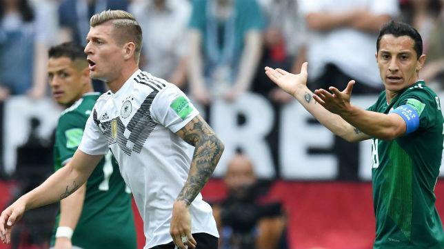 Guardado, capitán de México, durante el choque ante Alemania